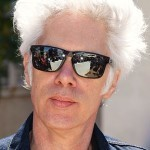 «Jim Jarmusch Cannes 2013» участника Olivier Strecker. Под лицензией CC BY-SA 3.0 с сайта Викисклада - https://commons.wikimedia.org/wiki/File:Jim_Jarmusch_Cannes_2013.JPG#/media/File:Jim_Jarmusch_Cannes_2013.JPG