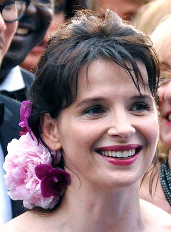 «Juliette Binoche 2009» участника Georges Biard. Под лицензией CC BY-SA 3.0 с сайта Wikimedia Commons - https://commons.wikimedia.org/wiki/File:Juliette_Binoche_2009.jpg#/media/File:Juliette_Binoche_2009.jpg