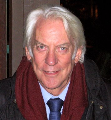 «Donald-Sutherland» участника Milaub and Liftarn - Cropped from Image:Ben&Donald-1-.jpg. Под лицензией CC BY-SA 3.0 с сайта Викисклада - https://commons.wikimedia.org/wiki/File:Donald-Sutherland.jpg#/media/File:Donald-Sutherland.jpg